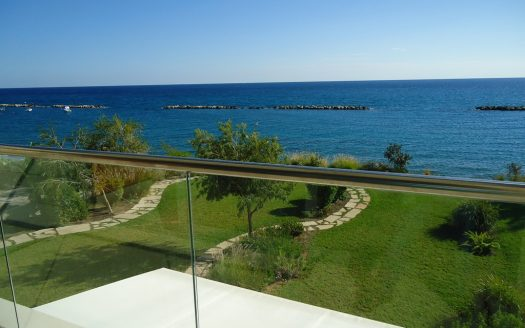 Seafront 3+1 Bedroom Townhouse in Ag.Tychonas fb8a2672d22ab2e8cad27f174c69b2c0 525x328