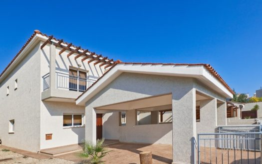 2 Bedroom Townhouse in Mouttagiaka