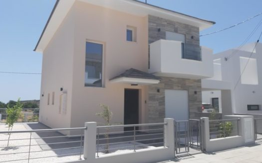 3 Bedroom House in Parekklisia Village