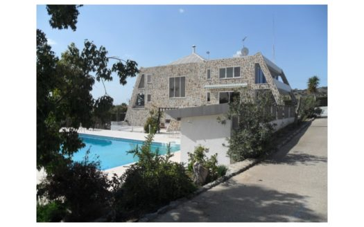 Luxury 6 Bedroom Villa in Parekklisia Village